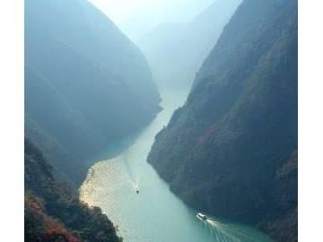 走一遍长江三峡,往体验那宏伟壮丽的山水云雾 (893播放)