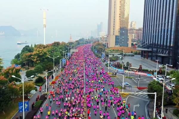 往年宜昌国际马拉松活动现场