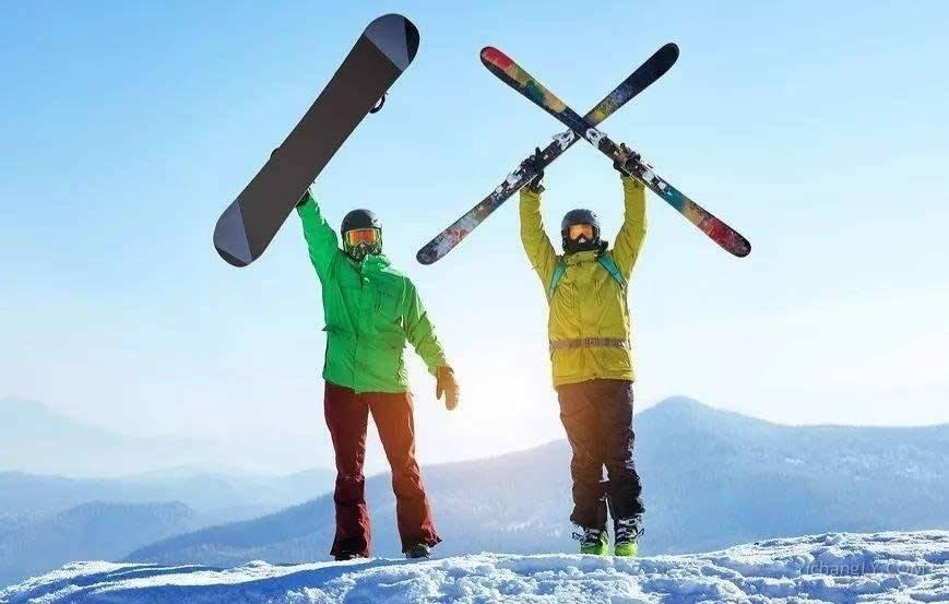 滑【snow】单板和双板哪【Each】难?第一次滑【snow】,选单板还是双板好?