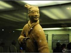 宜昌到西安旅游 兵马俑、明城墙、大雁塔广场、钟鼓楼广场五日游
