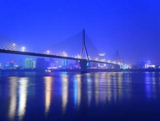 <船去车回>夜游宜昌三峡城区磨基山,葛洲坝,镇江阁半日游