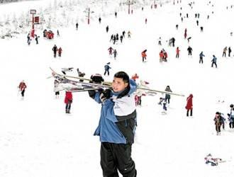 到宜昌百里荒滑雪啦一日游特价148元(仅限23-29号)