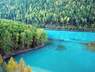 新疆天山天池、吐鲁番、喀纳斯、胡杨林双飞8日游