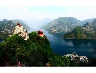 武汉到宜昌长阳清江画廊一日游