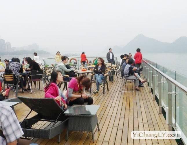 英国女游客坐三峡游船旅游突然昏迷