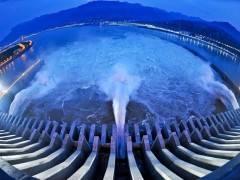 两坝一峡一日游【宜昌旅游首选 过船闸+西陵峡+三峡大坝】