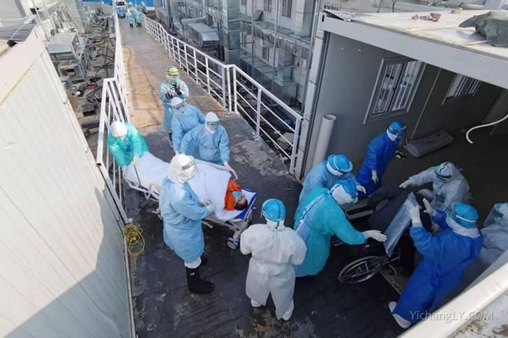 首批患者开始转移到火神山医院