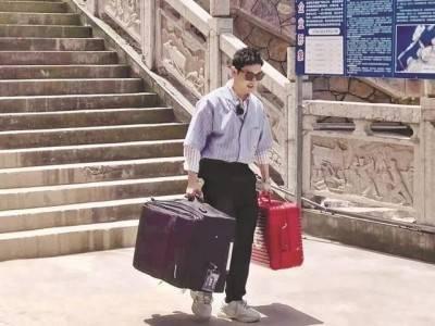 湖南卫视《中餐厅4》剧组黄晓明、赵丽颖、张亮等到三峡人家景区拍摄