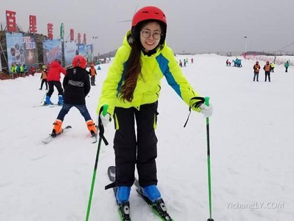 百里荒滑雪场2020年12月26日正式开滑营业