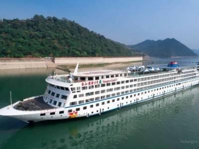 长江上目前好的豪华游轮是哪艘?