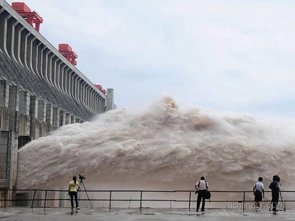 湖北黄冈到宜昌三峡大坝半日游