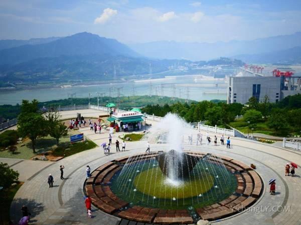 湖北武汉到宜昌两坝一峡
