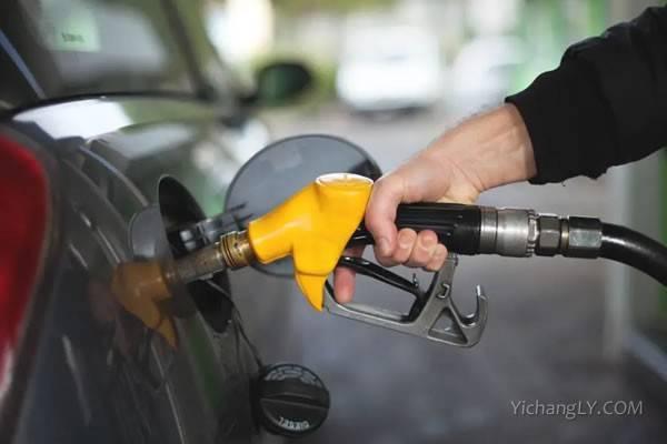 国内成品油价迎牛年首涨