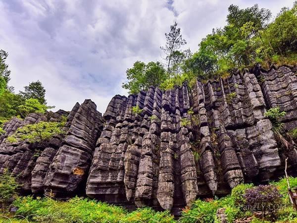 梭布垭石林