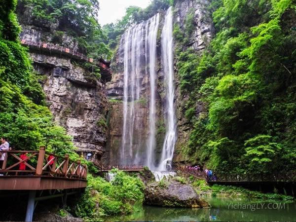 湖北荆州到宜昌三峡大瀑布