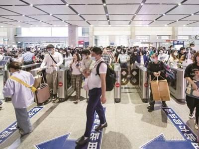 宜昌东站昨迎客流高峰到发旅客近10万
