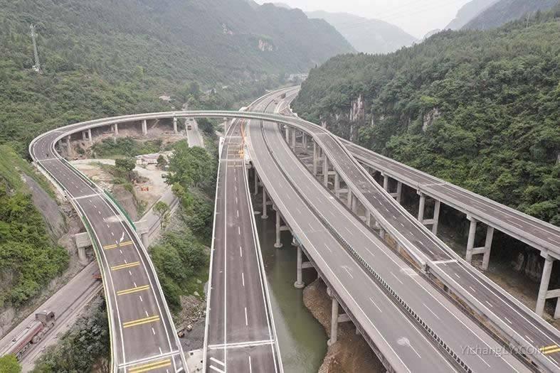 三峡翻坝江北高速通过交工验收