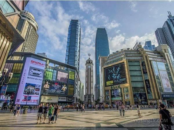 重庆和成都哪个城市好玩