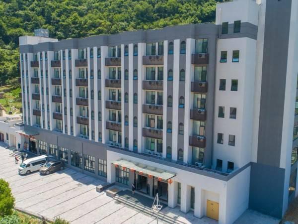 五峰假日酒店