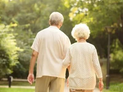 夏季老年人避暑游需要注意的那些坑